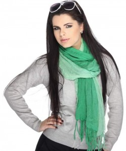 how-to-wear-Emerald-scarf-Trend-2013
