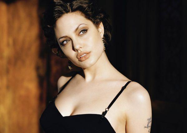 Angelina-Jolie-Pictures